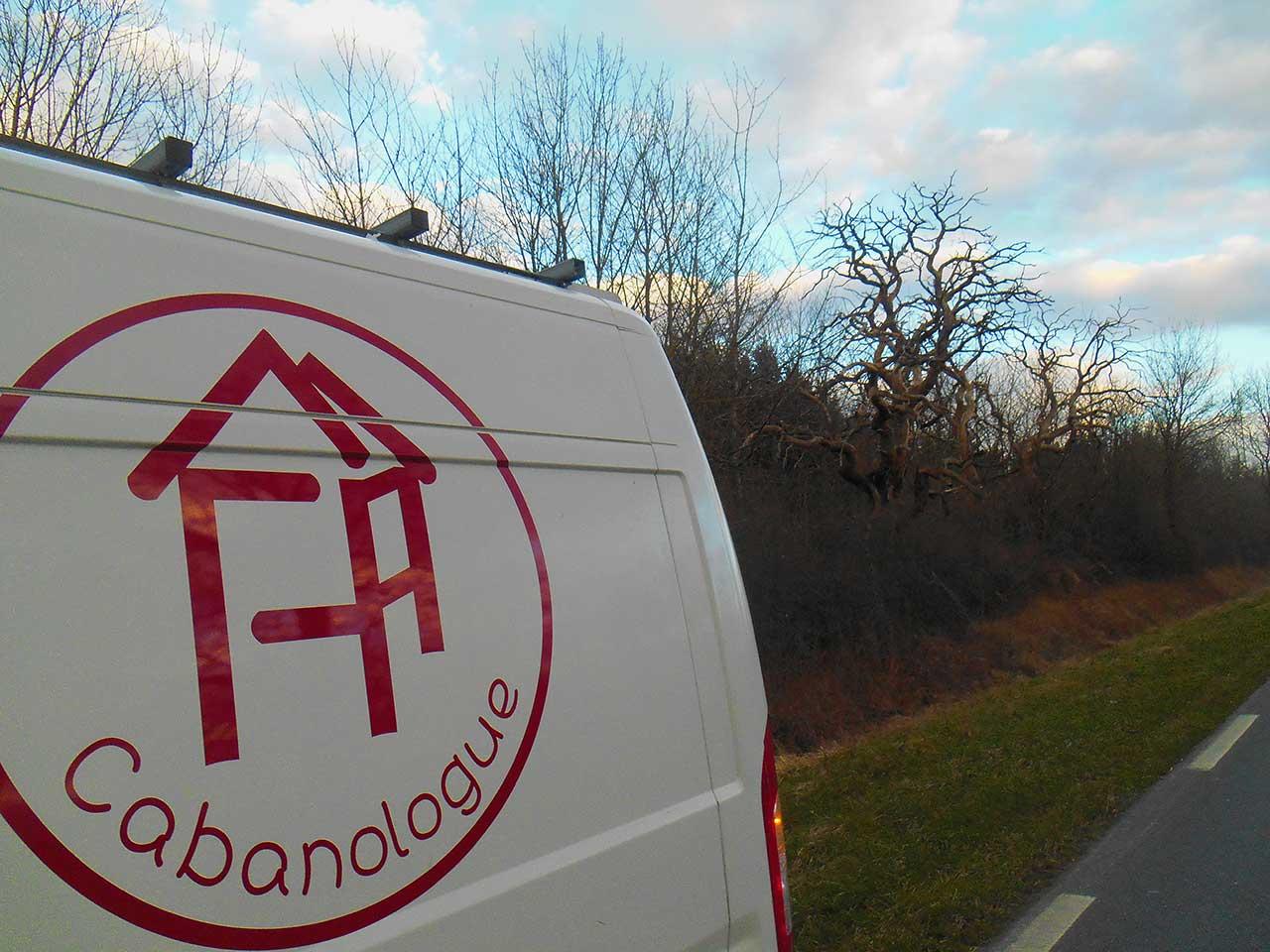 Logo sur le camion Cabanologue