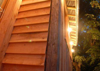 cabane avec planches douglas non rabotées