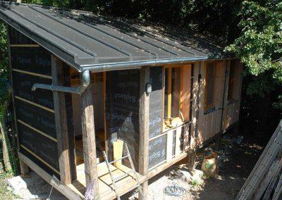 toiture en zinc pour cabane sur pilotis