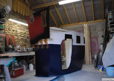 contruction poupe du lit pirate - 1